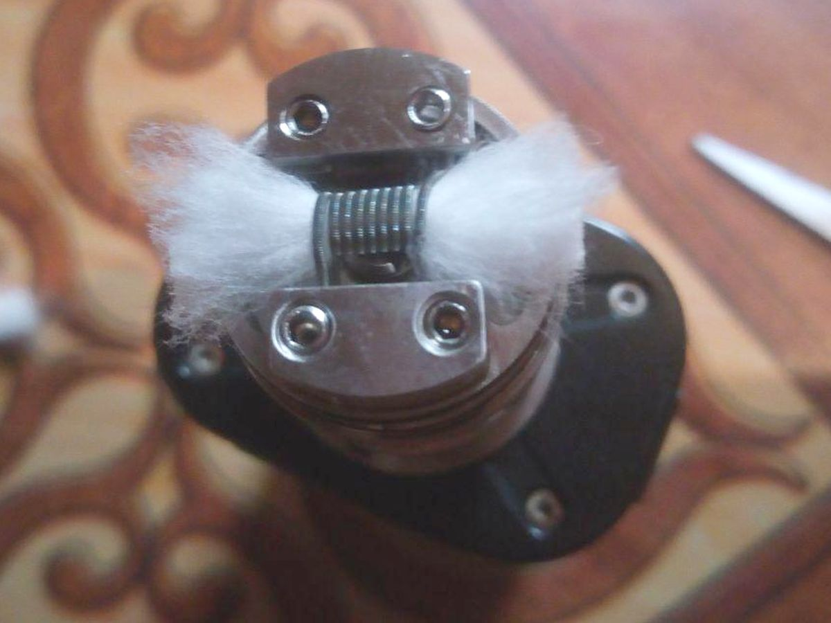Steps for coiling and wicking the Brunhilde MTL